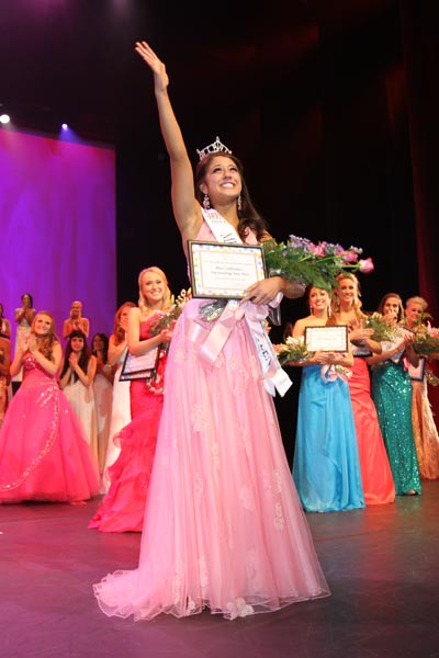 Miss California's Outstanding Teen 2011 is Jessa Carmack