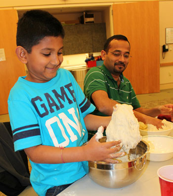 Library's Sustainable U Program Hosts Bread Making Class