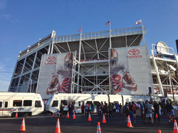 Levi's Stadium Opens to Much Pomp; Glitches to be Resolved
