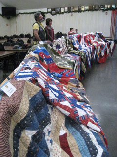 Blue Star Moms Award 28 Quilts of Valor