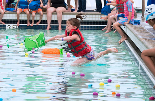 Aquatic Egg Hunt Makes a Splash