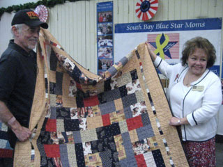 Blue Star Moms Award 28 Quilts Of Valor The Silicon Valley