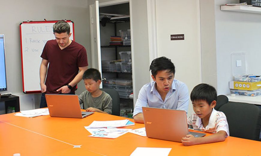 MaKaboom Opens Doors to Robotics and Coding Education