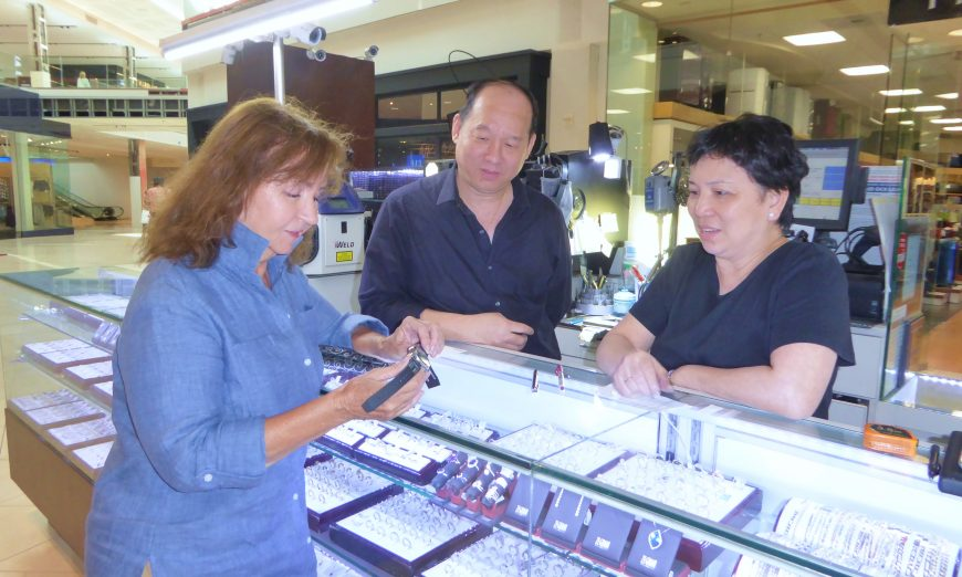 Master Fix Jewelers in Valley Fair Mall