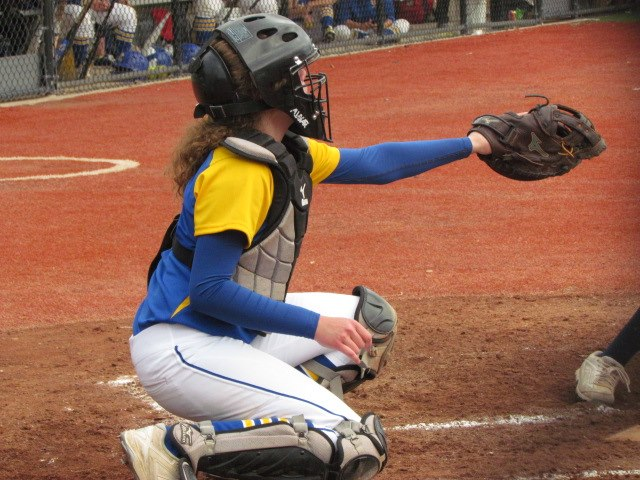 Bruins defense, Bruins Can't Claw Enough Runs to Support Ace Abigail Klahold, Sierra Trujeque, Victoria Latz