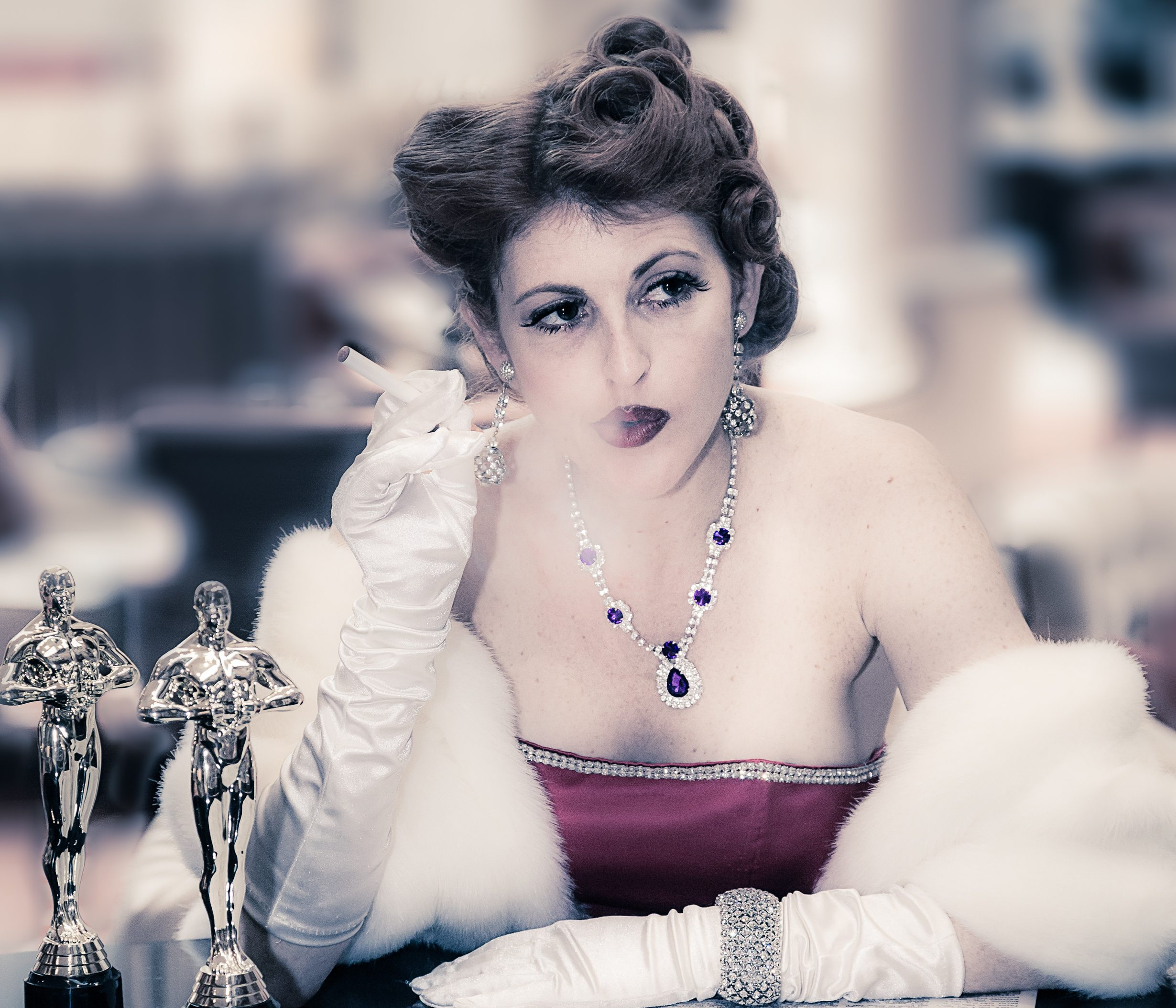 Bette Davis Aint For Sissies - CurtainTimes